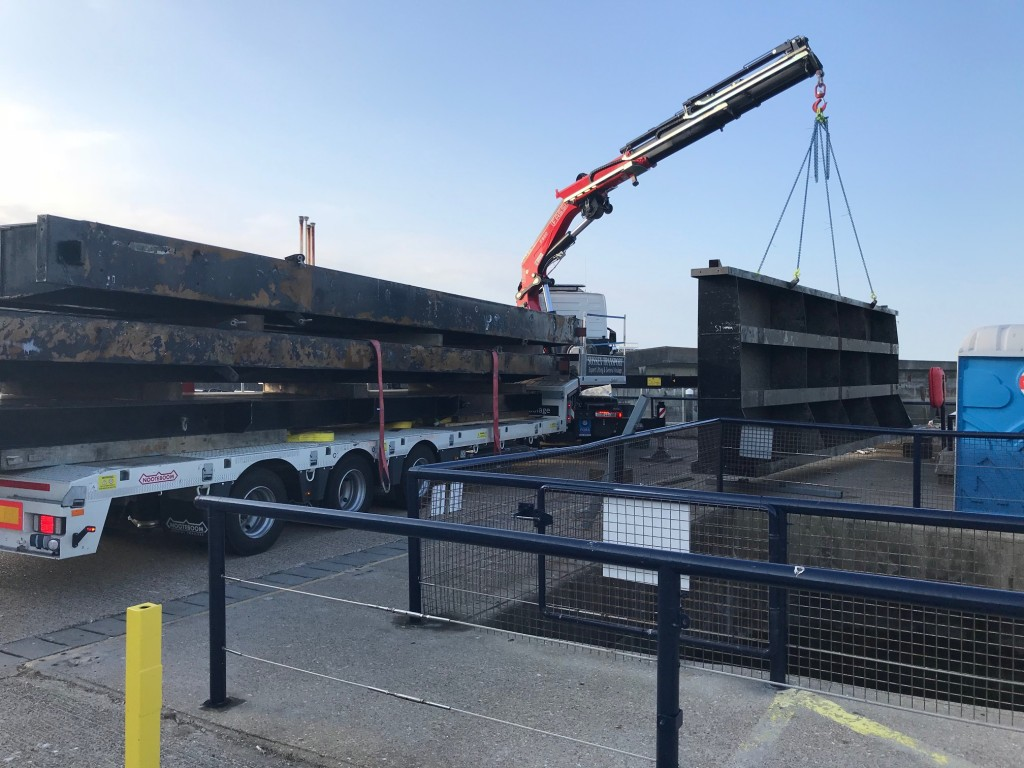 Brighton Marina Lock Gates Lifting HIAB Fassi Contract Lift