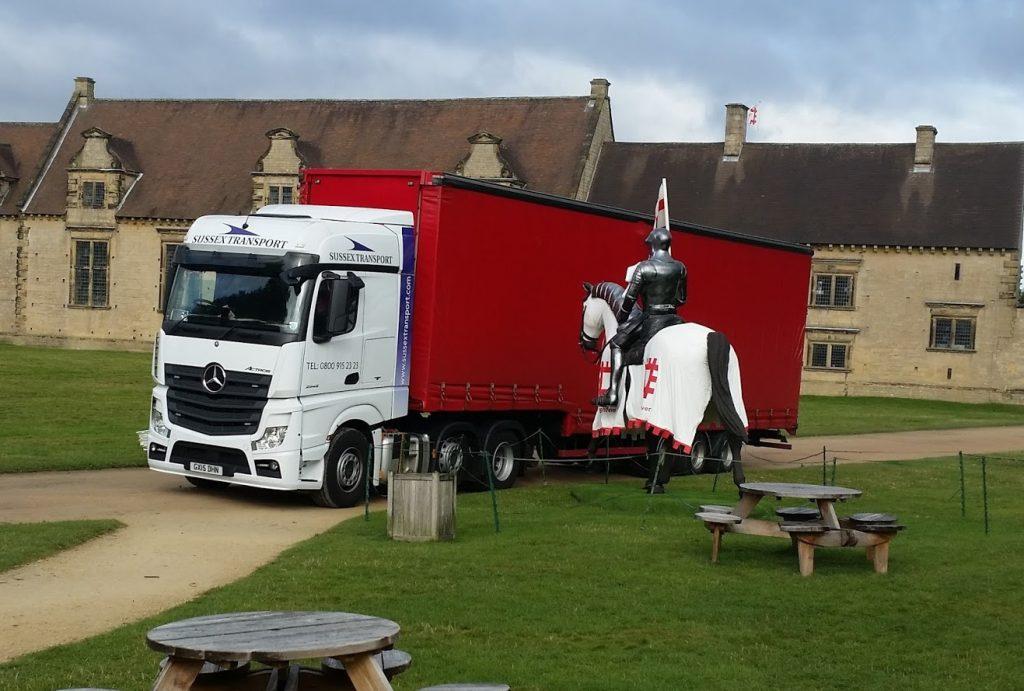 Transport & Delivering statue of Horse