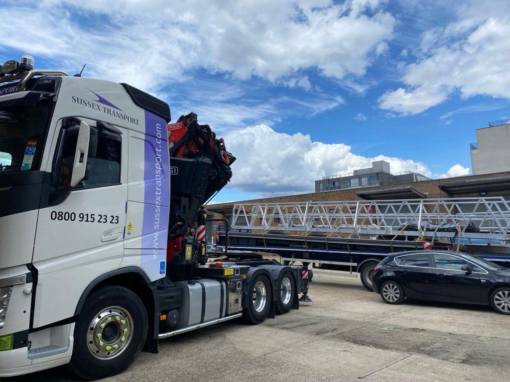 Pontoon transport Chichester - London